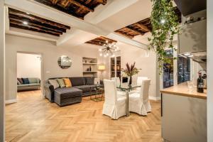 Trevi Fountain Superior 3 bdr apartment - abcRoma.com