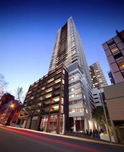 ReadySet Apartments on Fulton Lane