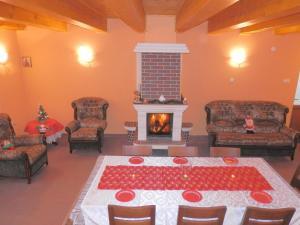 Casa Morarului, Holiday homes  Băile Tuşnad - big - 5