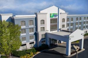 Holiday Inn Express Murfreesboro Central, an IHG hotel