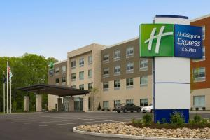 Holiday Inn Express & Suites by IHG Altoona, an IHG Hotel