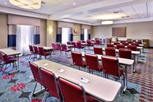 Holiday Inn Express & Suites Oak Ridge, Hotels  Oak Ridge - big - 6