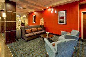 Holiday Inn Express & Suites Oak Ridge, Hotels  Oak Ridge - big - 23