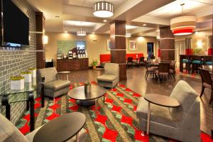 Holiday Inn Express & Suites Oak Ridge, Hotels  Oak Ridge - big - 25