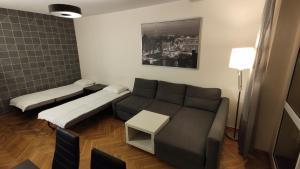 CityApartsPrivate Apartment Main Sqr Self Checkin