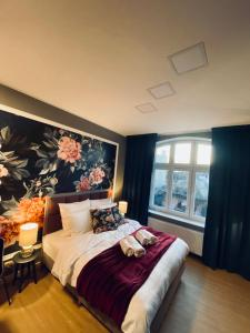 Good Bed Luxury Flower Central Apartment