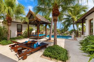 Aqua Vista 25 - Private Pool Villa Near The Beach
