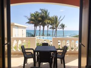 2 bedroom apartment with a large terrace with ocean views and pool access., Cabarete
