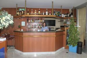 Ginosi Arizona Hotel