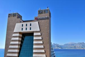 Курортный отель Ramada Plaza Antalya