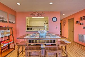 Pet-Friendly Beech Mtn Condo - Steps to the Slopes
