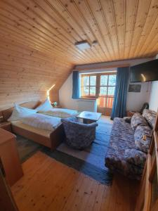 Accommodation in Pack