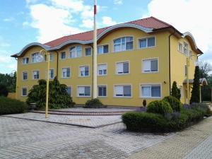 Leier Business Hotel, Aparthotely - Gönyů
