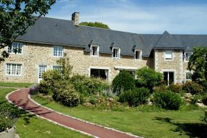 Le Relais Postal - Mesnil-Clinchamps