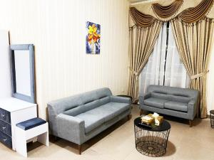 well-furnished and well-located studio - Dubai