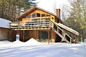 South Londonderry Home, Walk to Magic Mtn Ski Area - Hotel - Londonderry