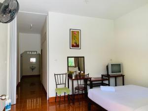 ศรีสุภาวดีรีสอร์ท-Srisupawadee resort, Resorts  Prachuap Khiri Khan - big - 2