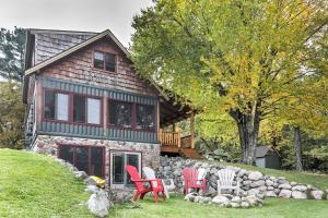 Lakefront Mercer Cabin with 2 Lofts, Fire Pit and Porch - Hotel - Mercer