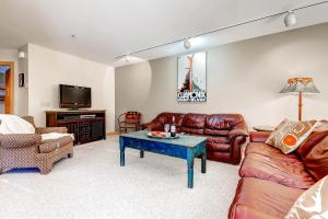 Superior Point #2F - Apartment - Alta