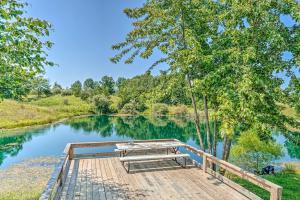 'Kimberly's Hope' Clark Apt on Farm with Pool Access - Hotel - Clark