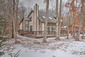 Roomy Pocono Home Less Than 3 Mi to Hickory Run State Park - Hotel - Albrightsville