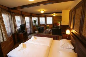 Boat Hotel Matylda.  Photo 19