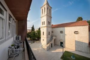 Sibenik city center apartment Sonia with private parking
