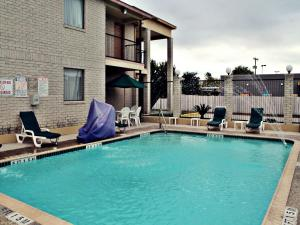 Super 8 by Wyndham San Antonio at I-10, Motels  San Antonio - big - 21