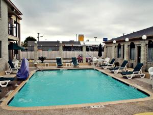 Super 8 by Wyndham San Antonio at I-10, Motels  San Antonio - big - 20