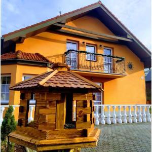 2 star pensiune Villa Amelia Rajecké Teplice Slovacia