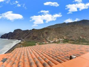 Beautiful Mansion in Hermigua, La Gomera with Patio, Agulo
