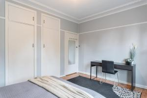 1 Private Double room in Carramar 1 Minute Walk To Station - ROOM ONLY