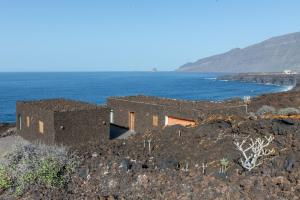 UNIQUE VOLCANIC HOUSE BY THE SEA, Frontera - El Hierro