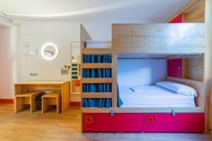 OK Madrid Hostel (1 of 50)