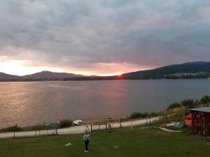 OW LAZUR nad jeziorem