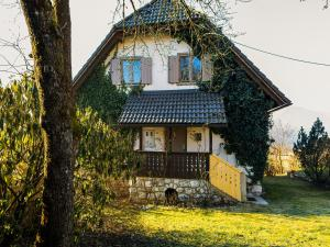 Magical Family Home 84