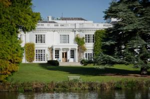Henley Business School, Hotels - Henley-on-Thames