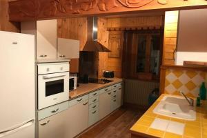 Appart Chalet Haut Jura Billard Sauna Bbf et +