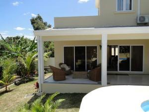 Ocean Travel House