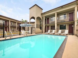 Super 8 by Wyndham San Antonio Downtown / Museum Reach, Motely  San Antonio - big - 11