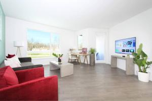 TRIBE Modern & Comfy 2BR by San Jose Campuses