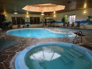 Canway Inn&Suites - Accommodation - Dauphin