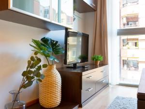 Cosy apartment next to Sagrada Familia III