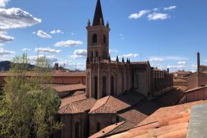 A Casa Breathtaking Attic in Strada Maggiore - AbcAlberghi.com