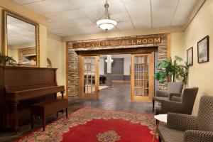 The Plaza Hotel a Trademark Collection by Wyndham - Kamloops