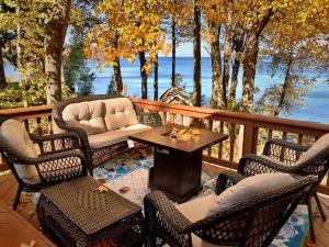 Maple Cottage on Secret Cove in Parkland - Hotel - Sodus