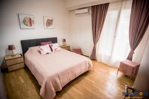 Explore Greece from Comfortable City Centre Apartment