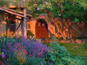 Old Taos Guesthouse B&B - Accommodation - Taos
