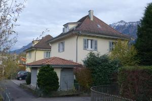 ARNOLDS Bed&Breakfast - Accommodation - Interlaken