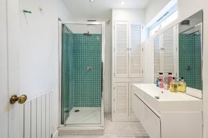 Stylish garden apartment Nr High Street Kensington, Ferienwohnungen  London - big - 15